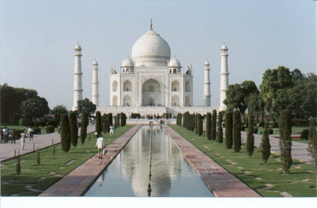 17. Agra - Enjoy honeymoon at the eternal place of love