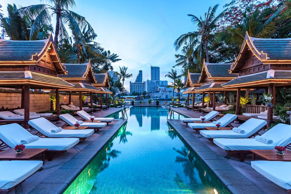 The Peninsula Swimming Pool Bangkok, Thailand