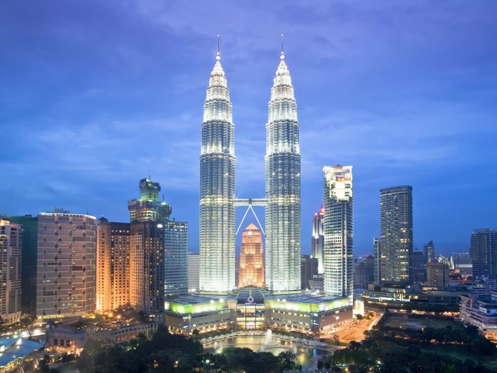 Petronas Twin Towers Tallest Twin Buildings In The World - Visit our world famous landmark